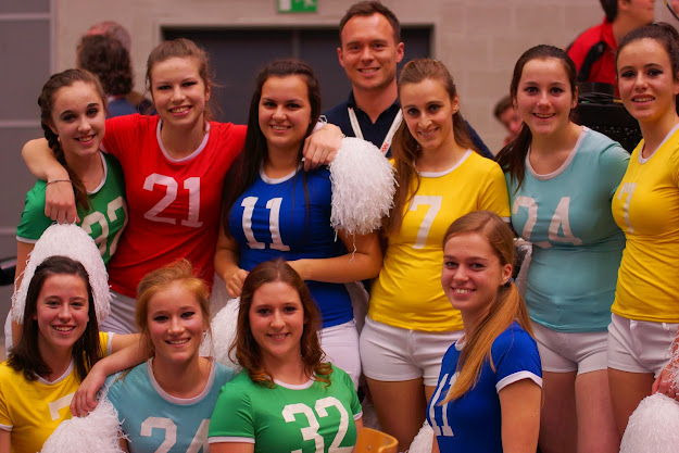 de cheerleaders van Knack
