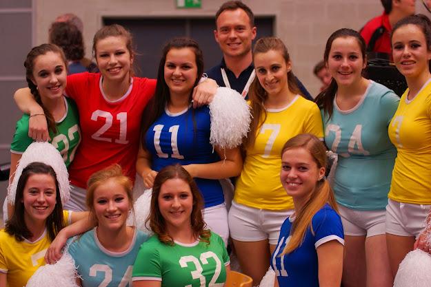 de cheerleaders van Knack