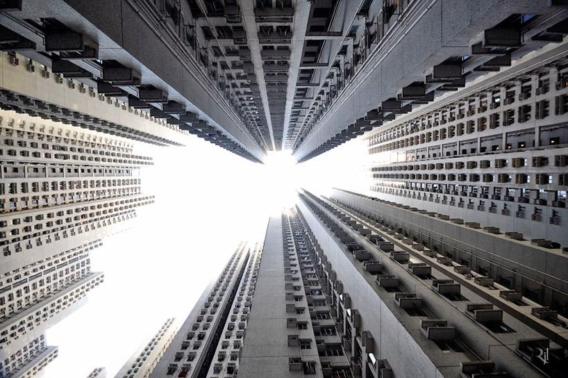 *垂直地平線:藝術家 Romain Jacquet-Lagreze 90度香港仰空攝影作品! 2