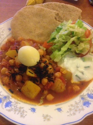 Chickpea curry topped with Gourmet Spirulina