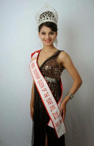 Urvashi Rautela Photos