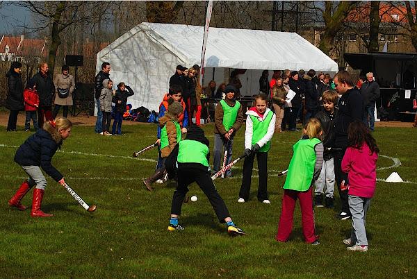 Hockey spelen op de Zilten in Roeselare