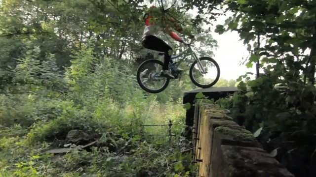*Chris Akrigg 極限單車特技:飛簷走壁Q彈駕馭! 5