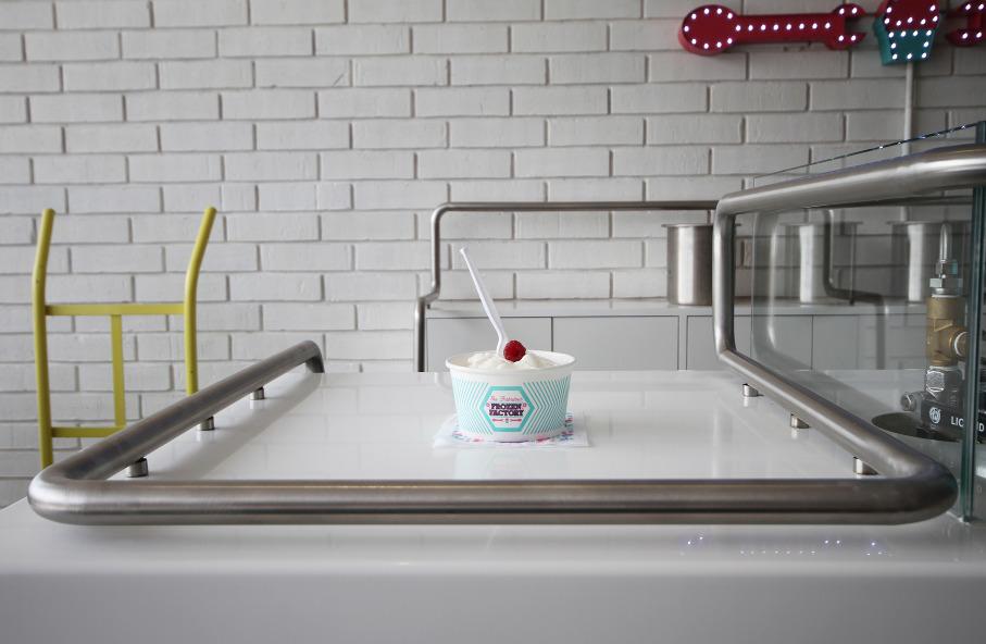 *極低溫現點現做冰淇淋:甜美風格小型冷凍工作臺! 8