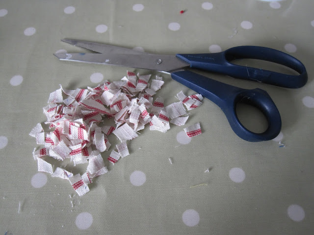 Project Ninety Seven: Making Christmas Baubles using Fabric Scraps (with tutorial) (5/6)