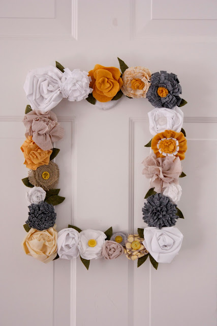 Scrappy Flower Picture Frame Wreath