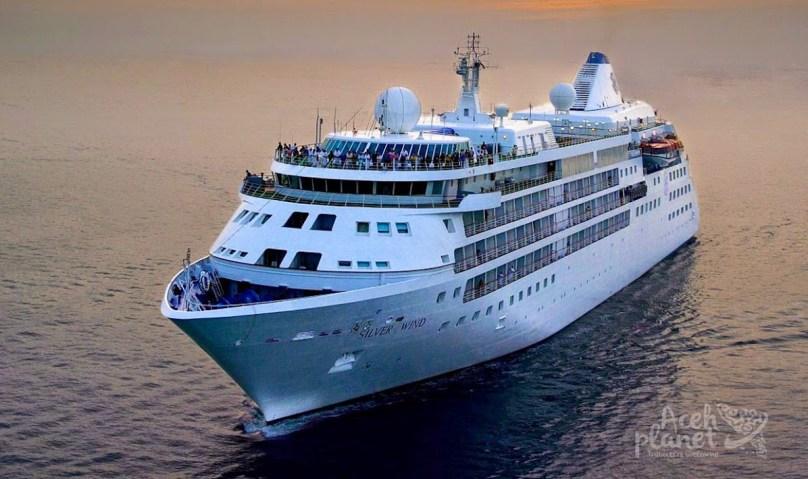 Kapal Pesiar Daratkan Ratusan Wisatawan di Sabang