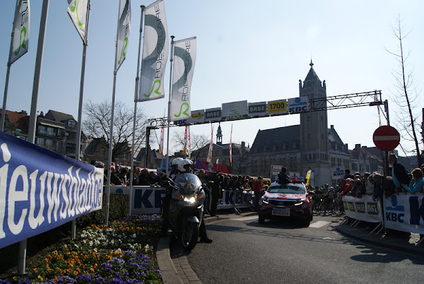 Start Dwars door Vlaanderen in Roeselare