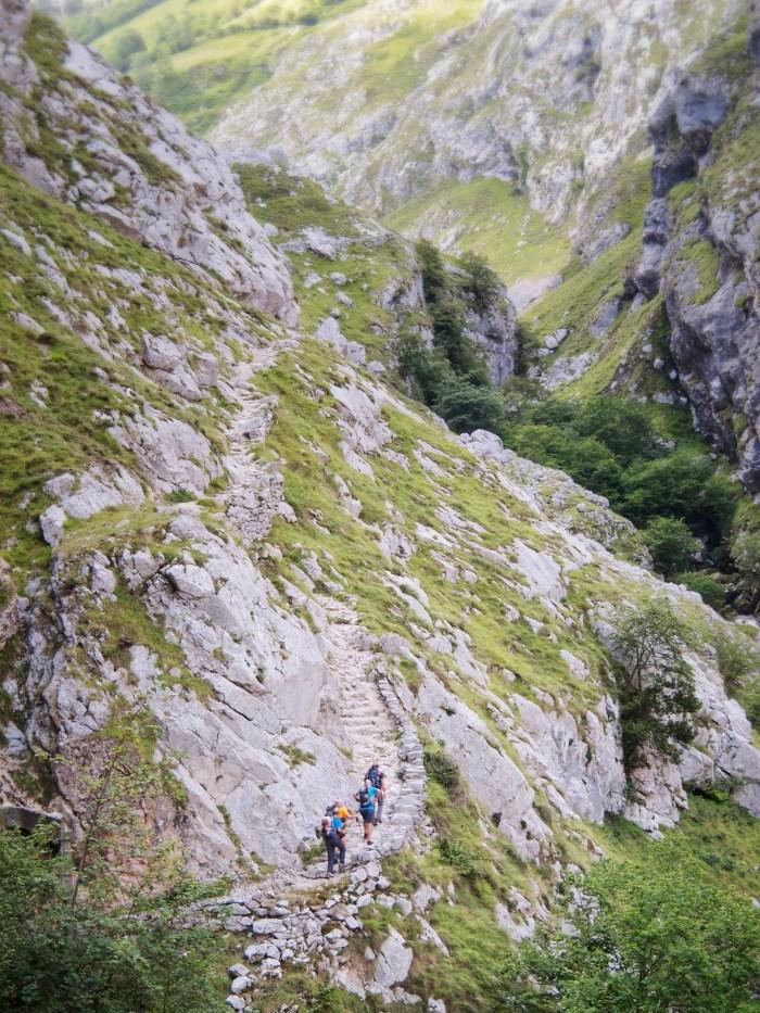 The trail to Bulnes in Los Picos