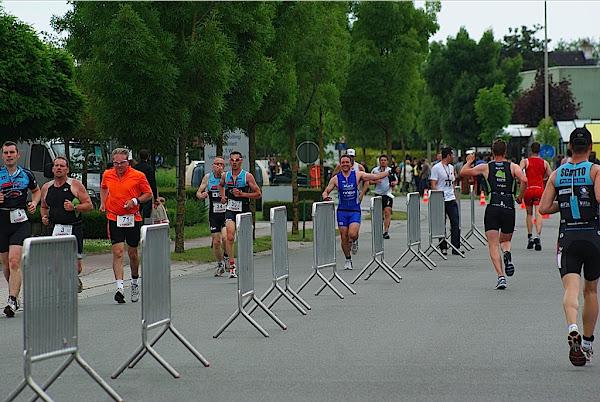Lopen aan de zwaaikomen tijdens triatlon