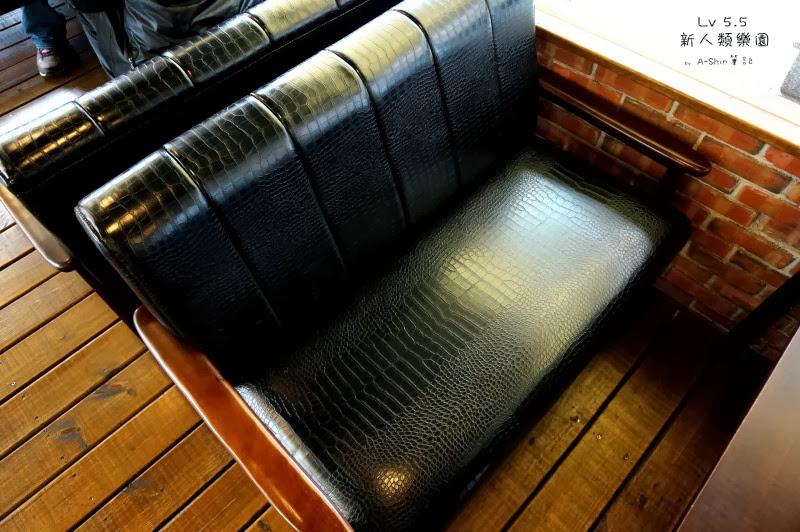 我爆愛LV5.5新人類樂園的沙發