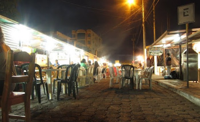 Budget place to eat in Puerto Ayora