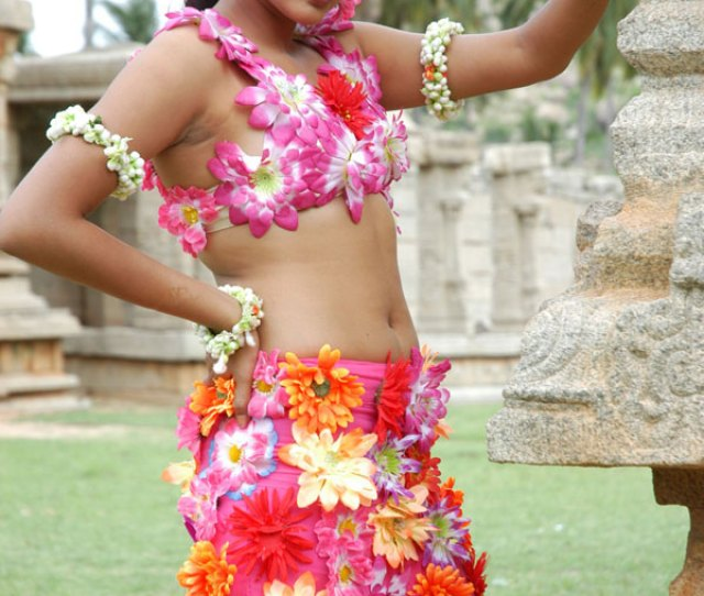 Ragini Spicy Hot Navel Show Pics Kannada Actress Ragini Navel