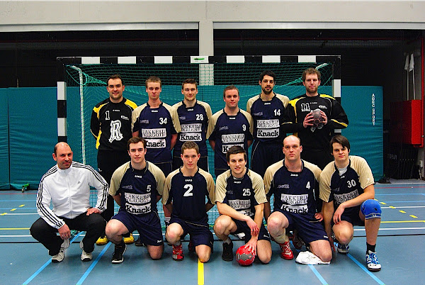 Knack Handbalteam Roeselare ploegfoto
