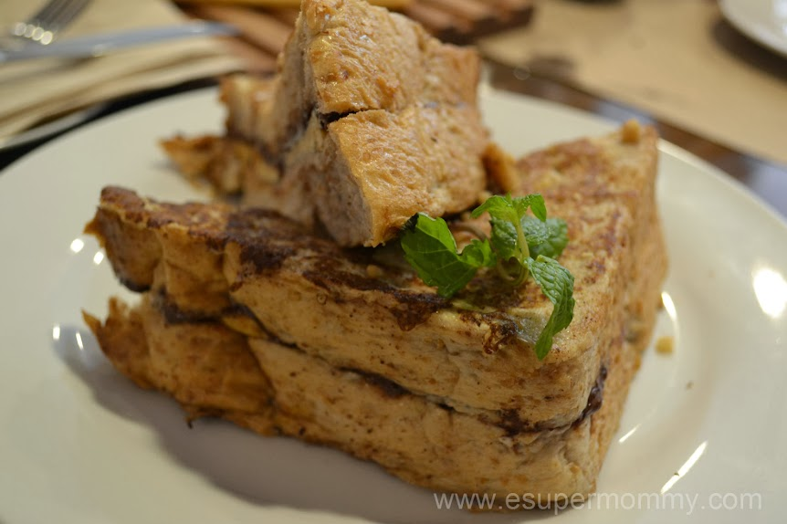 Peanut Butter, Banana & Chocolate Stuffed French Toast