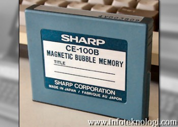 Gambar media penyimpanan Bubble Memory buatan Sharp