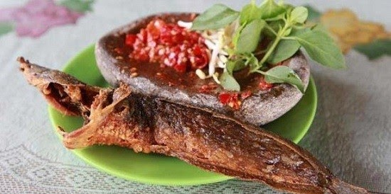 May 31, 2021 · delicious cornbread upside down casserole in 17 minutes. Download Gambar Ikan Lele Goreng - Gambar Makanan