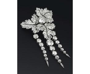 Broche Feuilles de Groseillier créé par Bapst pour l'Impératrice Eugénie en diamants, vers 1855. Estimation: 1 600 000