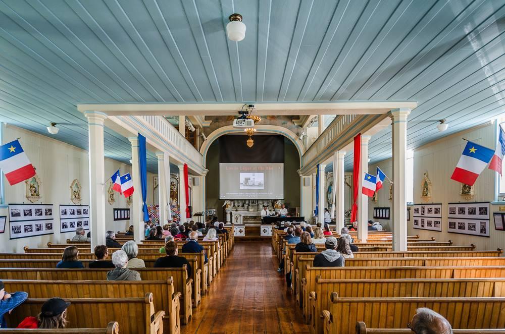 la nef de l'Eglise historique de Barachois