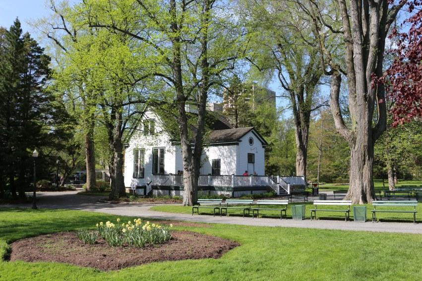 La petite maison du jardin public d'Halifax Uncommon grounds Café