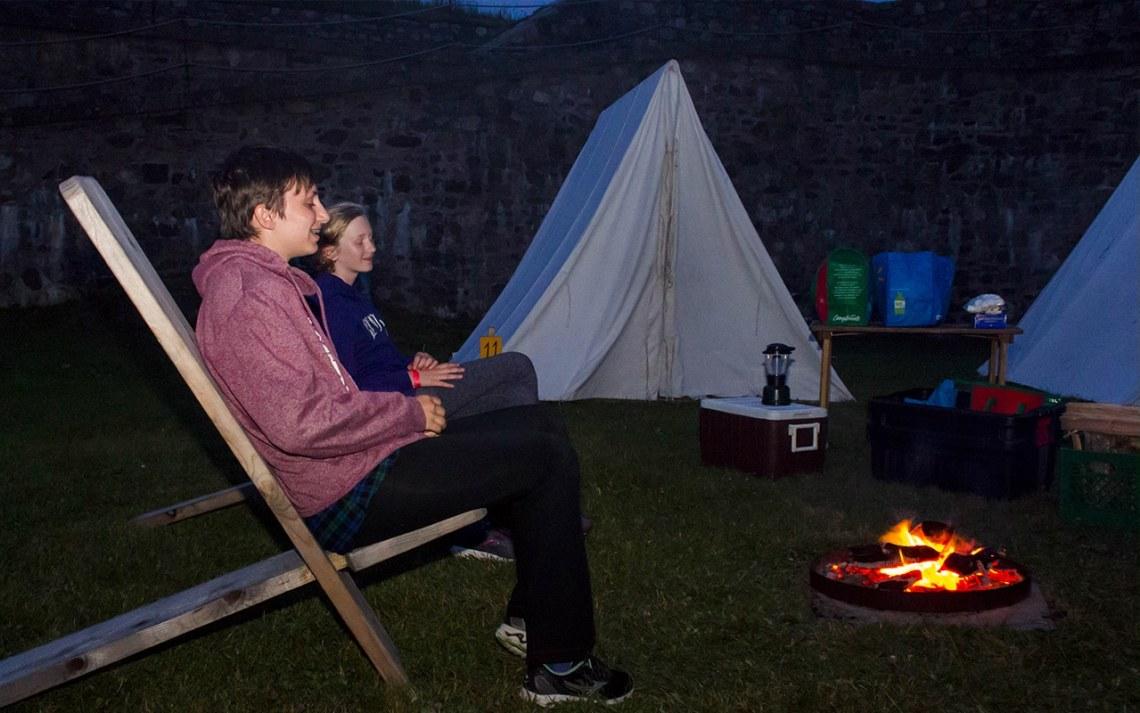 nuit sous la tente à la forteresse de Louisbourg