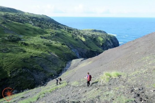 Langlade, un paysage surprenant : la descente des ardoises Crédit photo : Escapade Insulaire