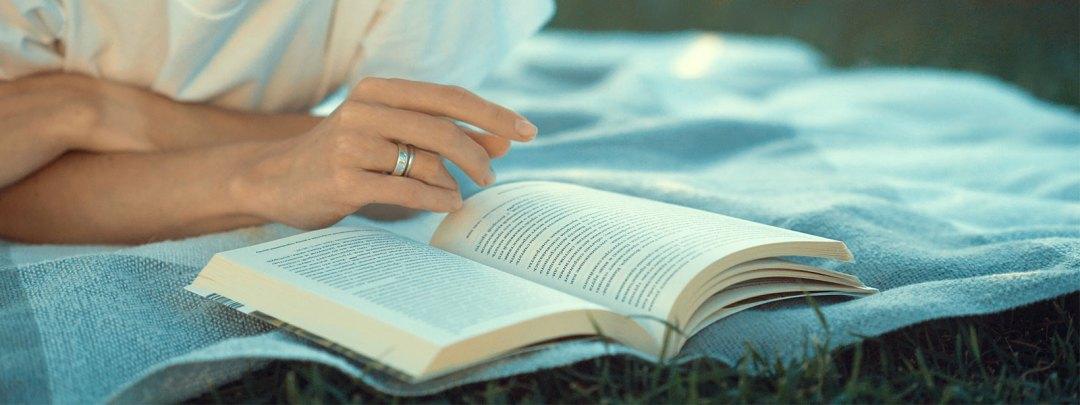 lecture livre femme