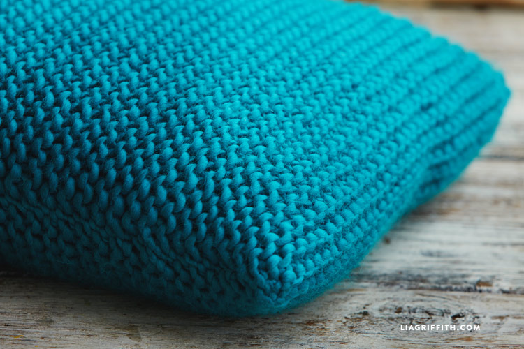 easy garter stitch knitted pillows