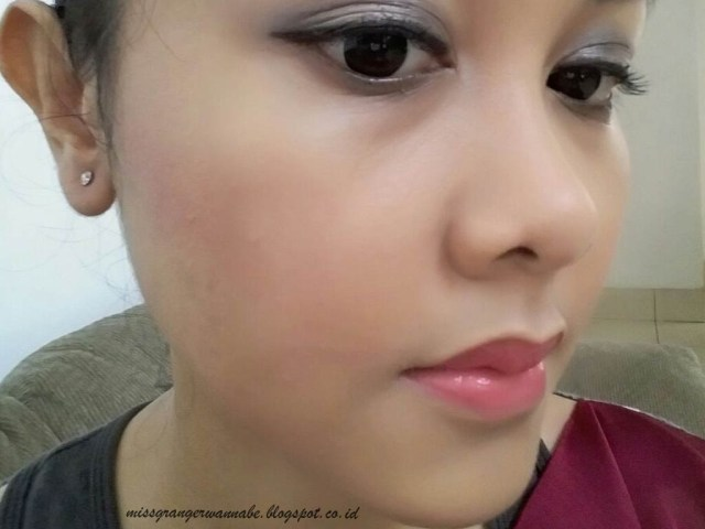 happy-lips-caring-colours-cyber-pink-23-review