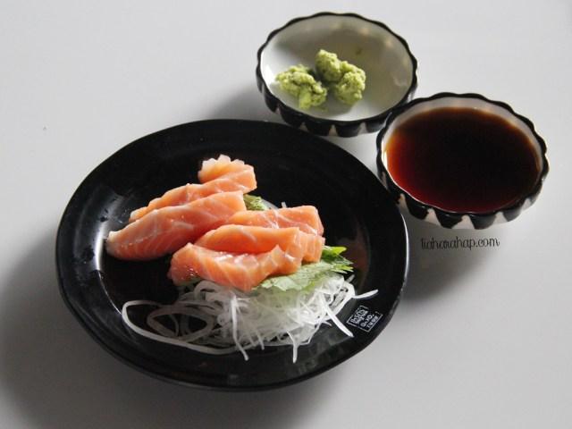 aeon-mall-salmon-sashimi