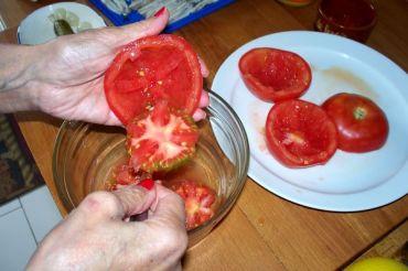 tomates y aguacates rellenos