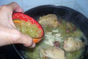 Pollo campero con uvas