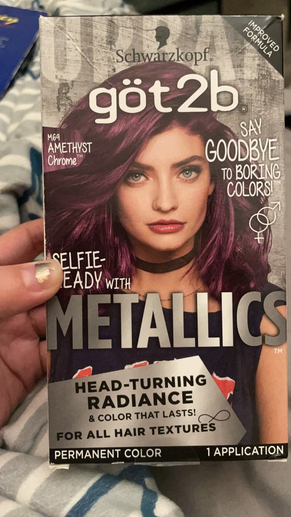 Schwarzkopf got2b Metallics in Amethyst Chrome, at least the box is nice