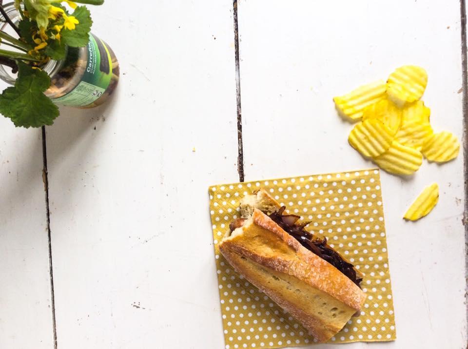 棍子肉腸甜洋蔥三明治-1