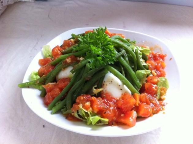 法國家常創意料理-溫泉蛋四季豆番茄沙拉