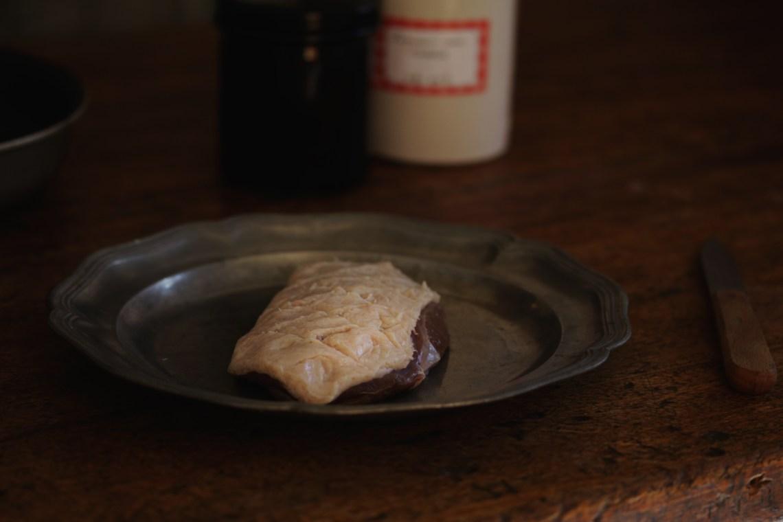 煎烤鴨胸煮藍莓醬汁 FILET DE CANARD, JUS D CUISSON A LA MYRTILLE