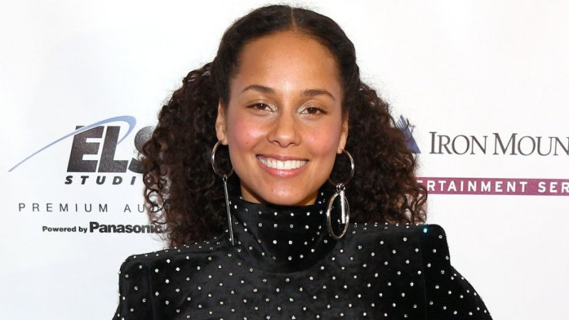 Alicia Keys Hosts Kids Race & Unity Nick News Special
