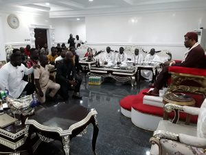 ​Gbaramatu Youth Council Visit's Oporoza, Introduces Exco To King Aketekpe, Seeks Royal Blessings  – The Liberator