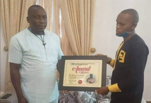 Ijaw Leader Agediga Bags Award Of Excellence From Ogulagha Kingdom Students – The Liberator