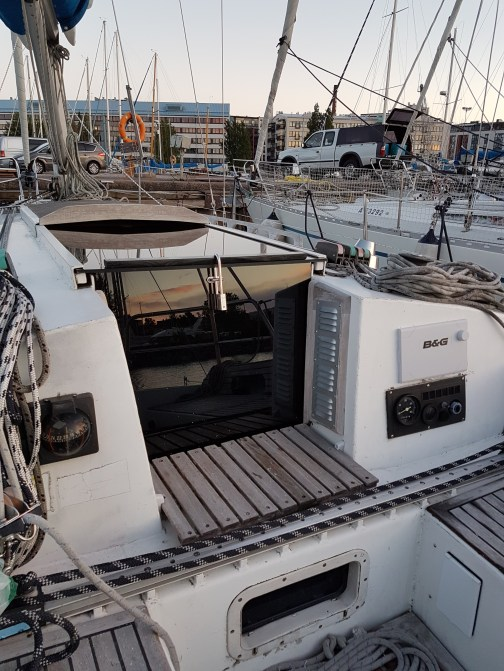 www.Liberta.fi new boat companionway doors