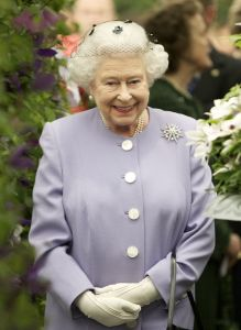 queen-elizabeth_ii_at_chelsea_flower_show