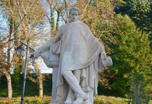statue of a rake?