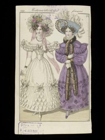 1829 ball dress, puffed sleeves, lace hat © Victoria and Albert Museum, London