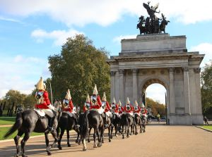 Life Guards on horseback with Wellington Arch in background, not historically accurate for 1814