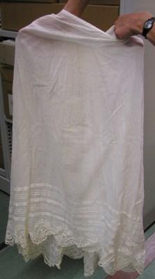 petticoat-gathered-back-scalloped-lace-hem-front