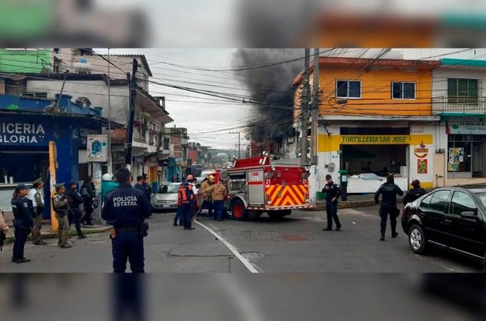 Tortillería del centro de Xalapa se incendia
