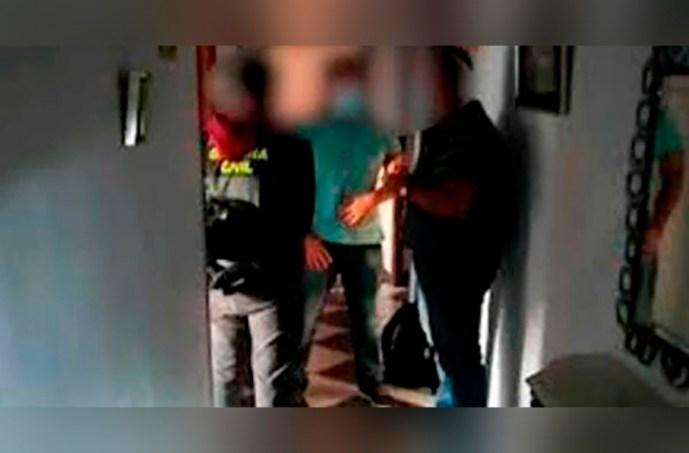 Guardia Civil rescató 7 hombres sudamericanos, eran filmados en videos homosexuales, les prometían ser futbolistas profesionales para después chantajearlos y explotarlos
