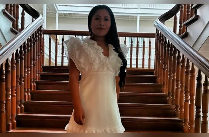 Yalitza Aparicio publica fotografía en Instagram con un vestido blanco