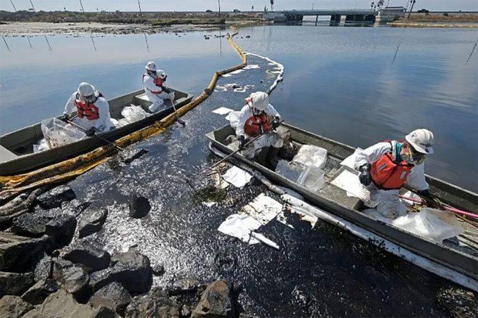 """Fuga de petróleo en California pone en riesgo la flora y fauna del lugar. """" Es una de las situaciones más devastadoras en décadas"""""""