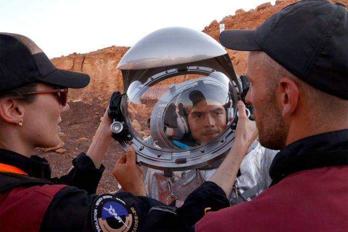 Seis astronautas análogos pasarán todo el mes de octubre en un desierto de Israel donde simulan la vida en marte